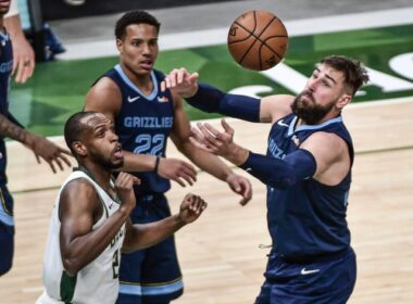 """""""Grizzlies"""" ekipa svečiuose įveikė """"Bucks"""""""